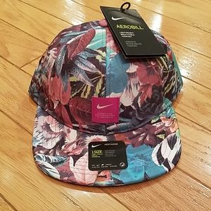 NWT Nike Aerobill hat